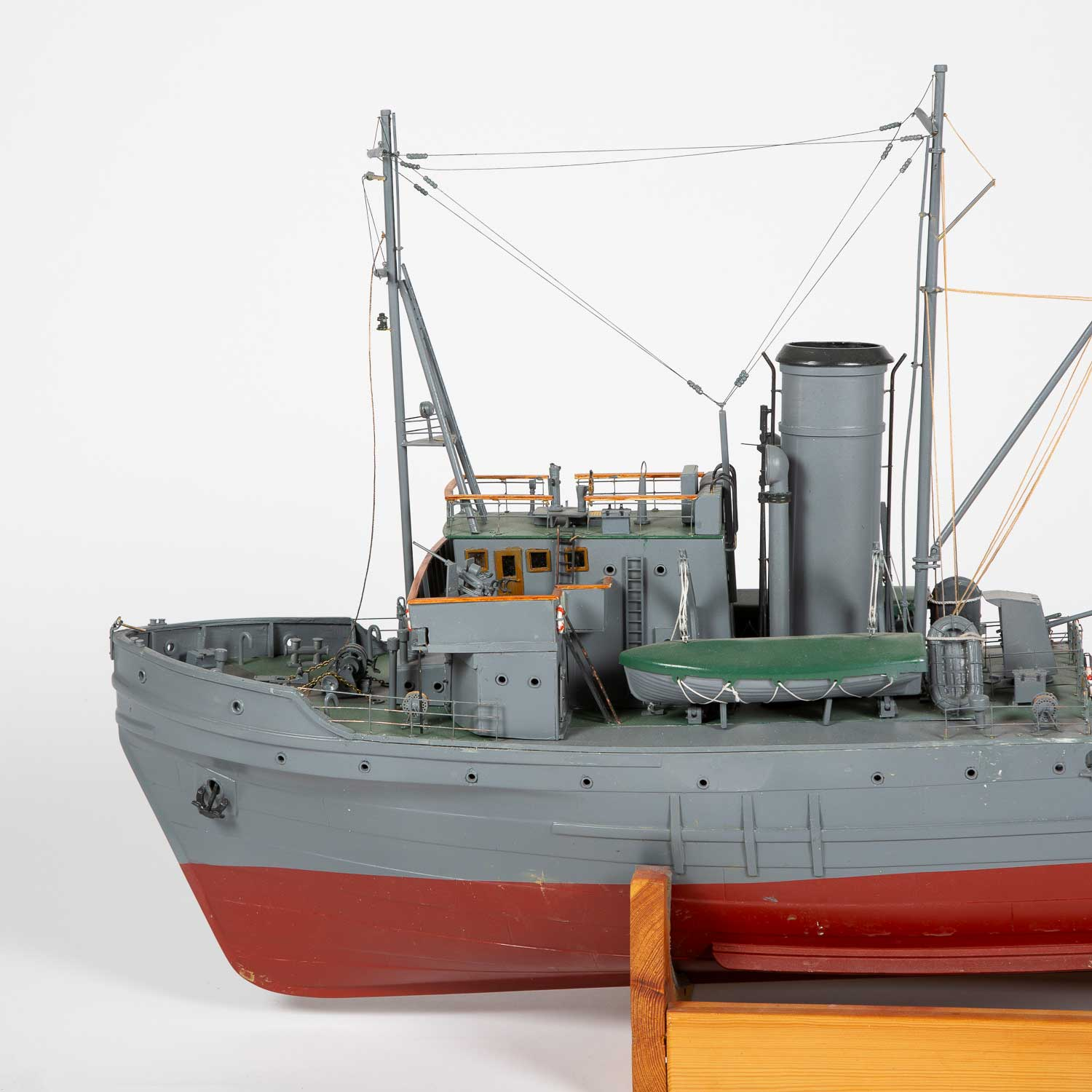 Model of a WWII tug